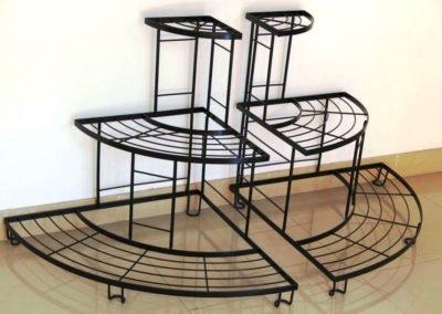 6-kovanyie-podstavki-stoliki-4